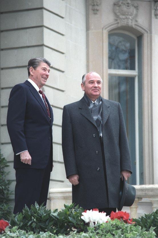 Reagan Gorbachev 11191985